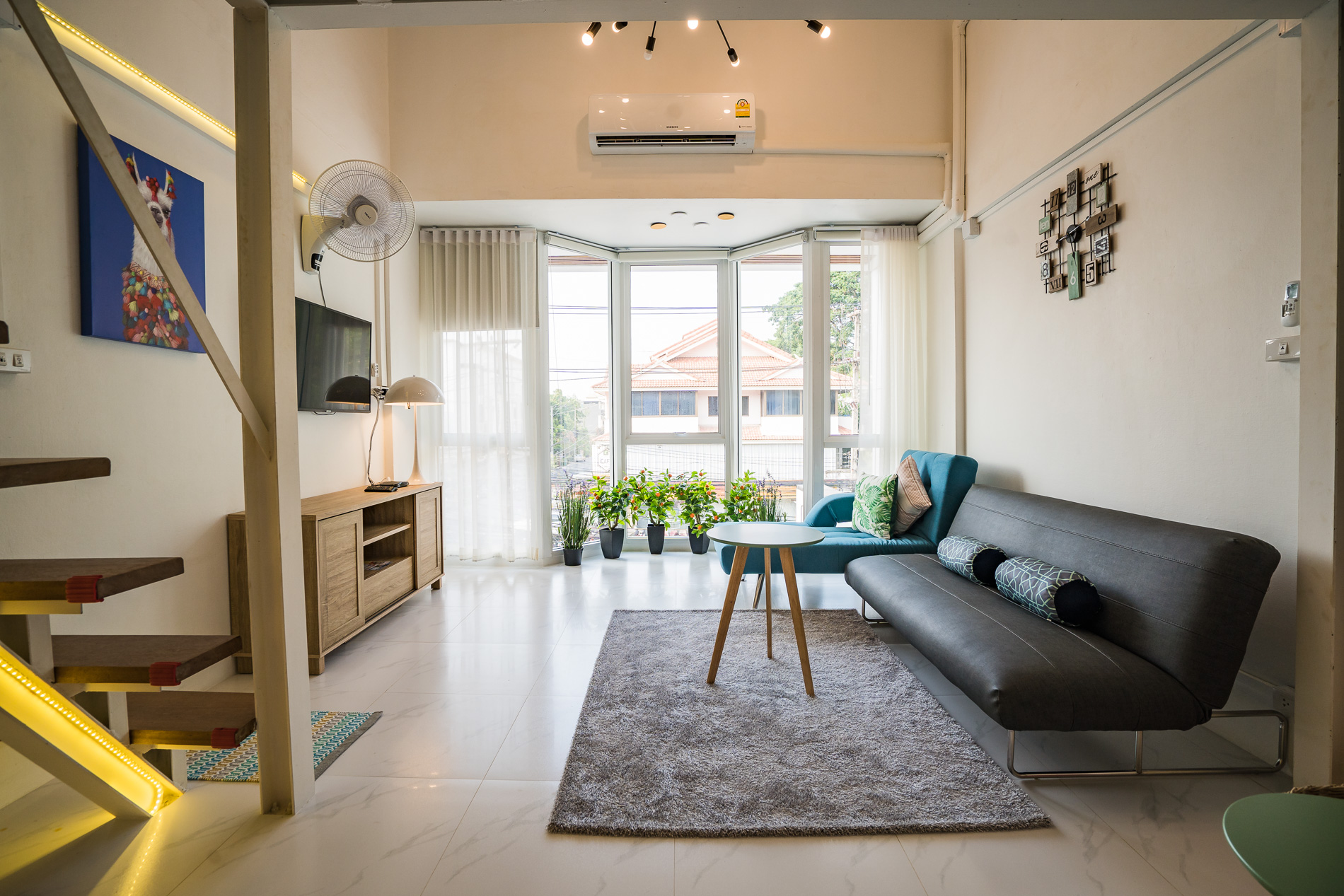 Lounge - large family holiday apartment Chiang Mai